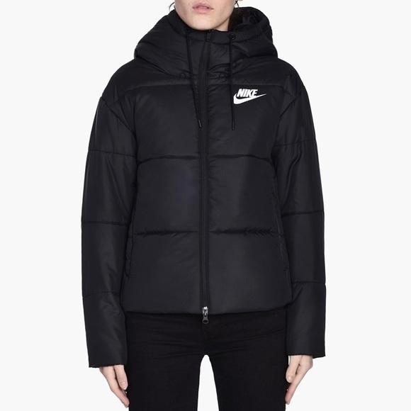 e219543c08de Nike Synthetic Fill Hooded Puffer Jacket